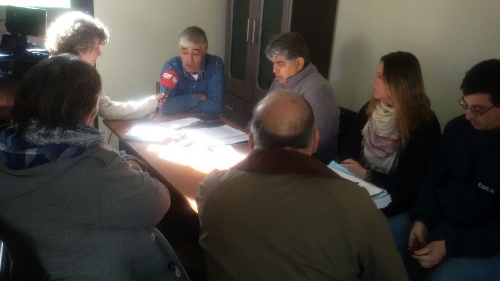 Town councillors and Mayor of Gonzales Chaves meet with Luz y Fuerza Mar del Plata