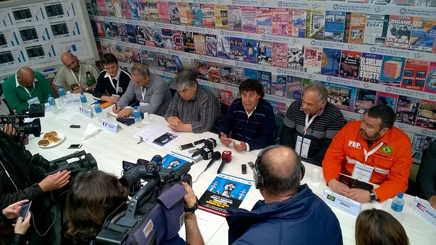 Pablo Micheli and José Rigane hold press conference about general strike