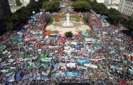 In a massive march to Congress labor organizations said NO to government reforms